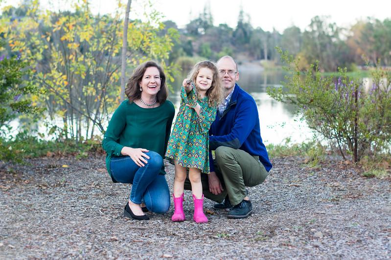 2017-11-11_Knudsen-Family-0207.jpg