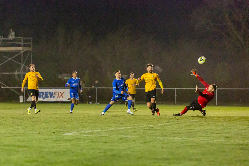 Bashley v Eastleigh-14.jpg