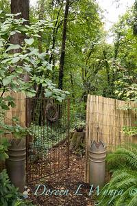 Gail & John's - Fall woodland garden