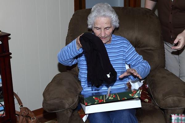 2010-11-28 Mom's Early Christmas