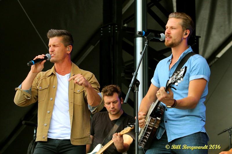 Brad & Curtis Rempel - High Valley - Fire Aid 0230.jpg