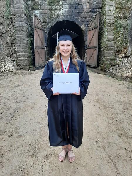 Graduate photos - Commencement