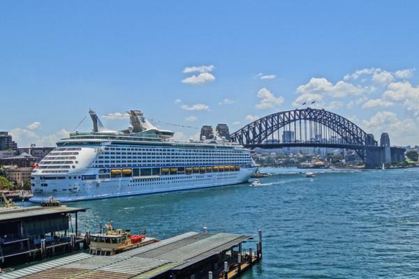 Voyager of the Seas Departs Sydney 25NOV12