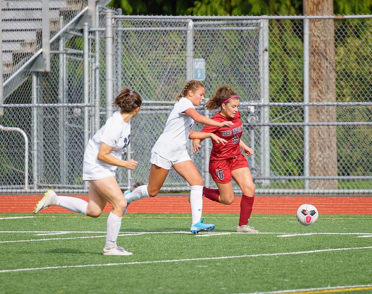 2019-09-28 Varsity Girls vs Meadowdale 118.jpg