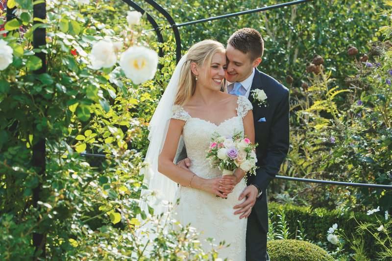 wedding-photographer-braxtedpark-essex-(39).jpg