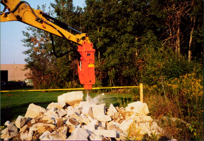 NPK E203 hydraulic hammer on Cat mini excavator at NPKCE (5).JPG