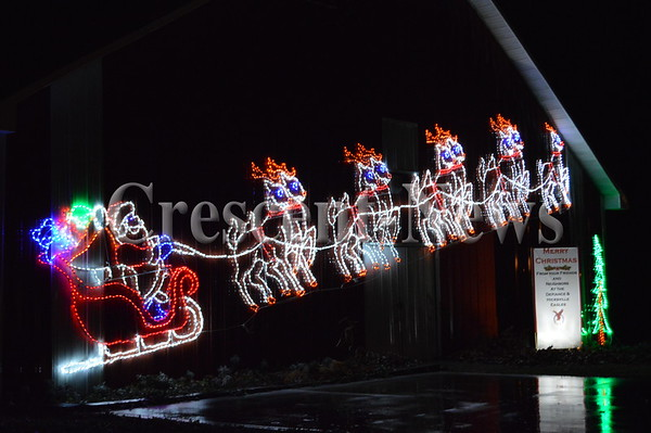 11-27-15 NEWS Christmas Cruise-Thru
