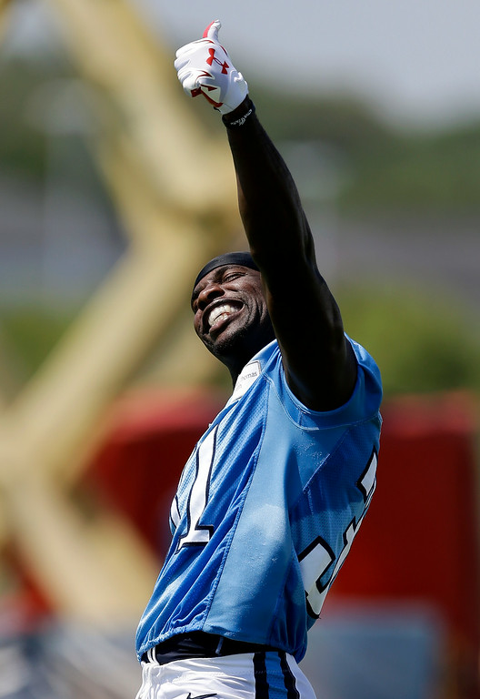 . Tennessee Titans safety Bernard Pollard gives a thumbs up to the fans during an NFL football training camp Saturday, July 26, 2014, in Nashville, Tenn. (AP Photo/Mark Humphrey)