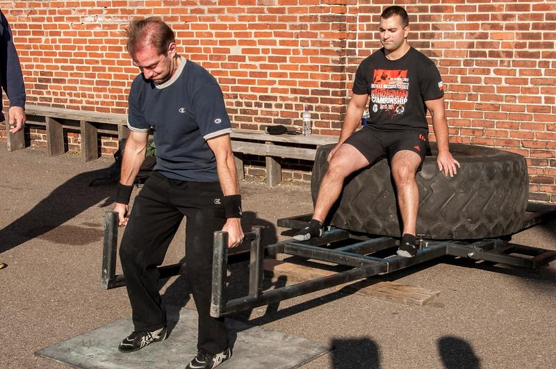 Strongman Saturday 11-10-2012 (Deadlift)_ERF0534.jpg