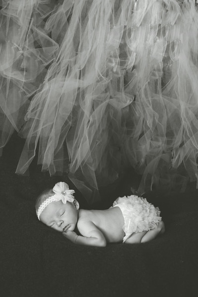 EMERSYN NEWBORN EDITED-18.JPG