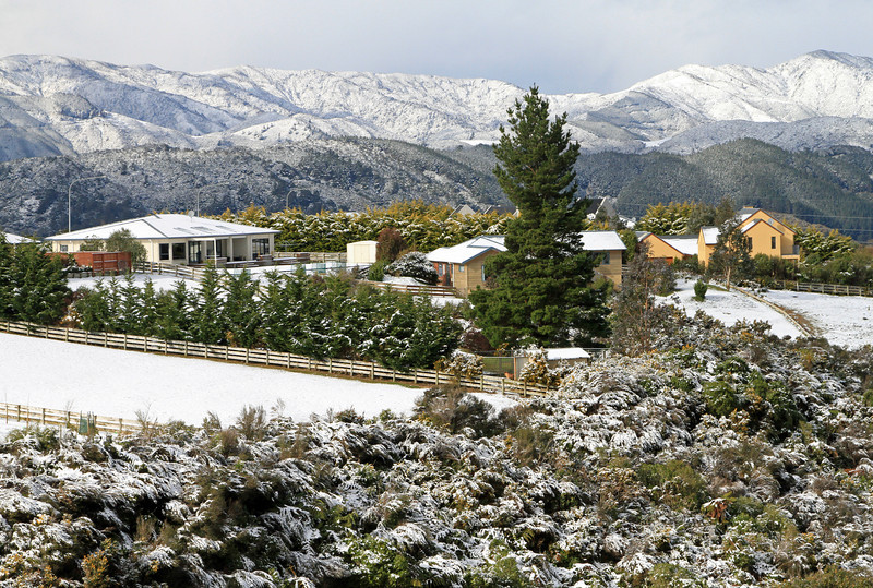 Riverstone - After the mornings snow - Monday 15th august 2011.