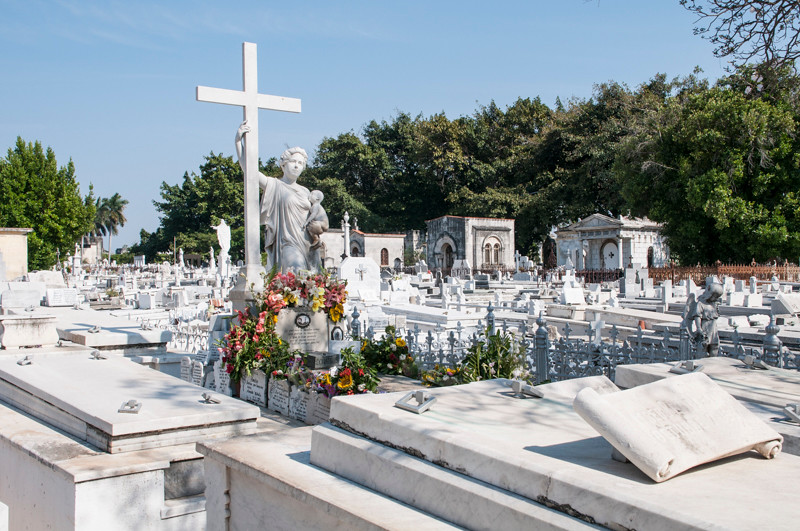 Colon Cemetery-11.jpg
