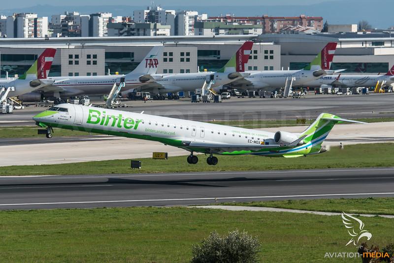 Binter / Bombardier CRJ-1000 / EC-MOX