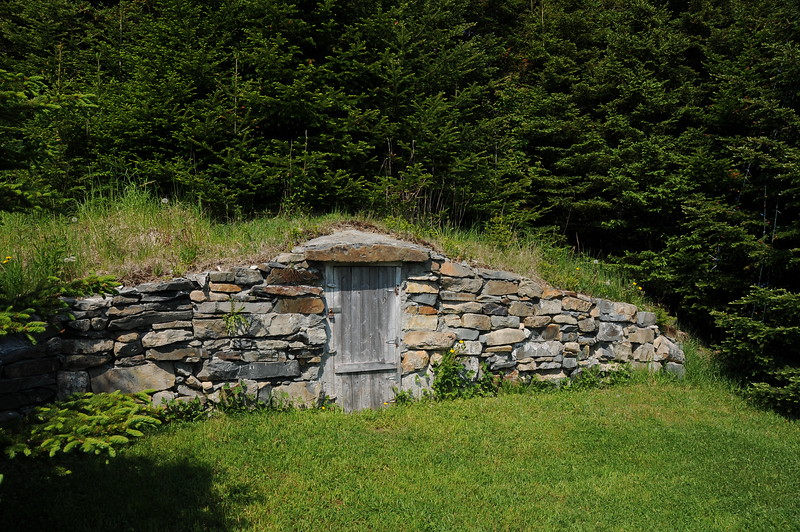 "The residents of Elliston consider their town ""the root cellar capital of the world,"" and I think they  can make a pretty good case in support of that  claim because there were cellars spread throughout the area.  Later in the day when we head off to view the puffins, we'll have a chance to glimpse inside a cellar."