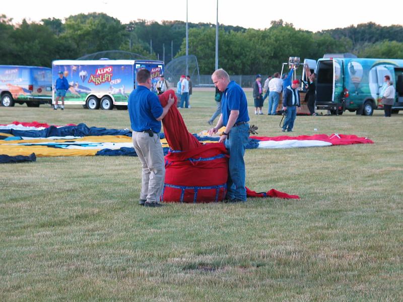 Unpacking the balloon