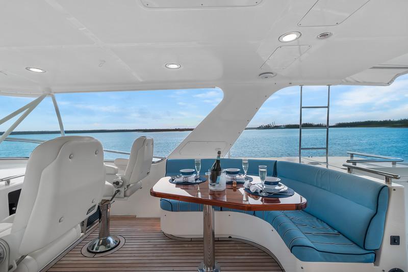 Halcyon Seas_Flybridge4.jpg
