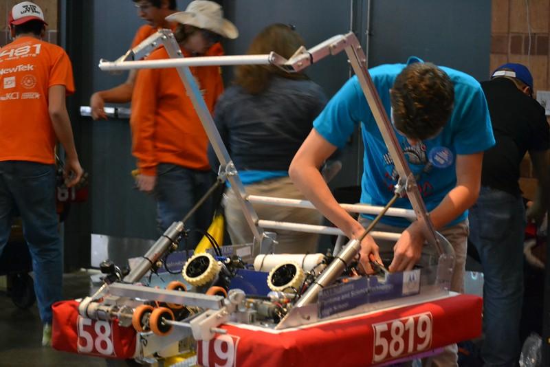 2016 First Bayou Regional Robotics Competition - Bouvier - 576