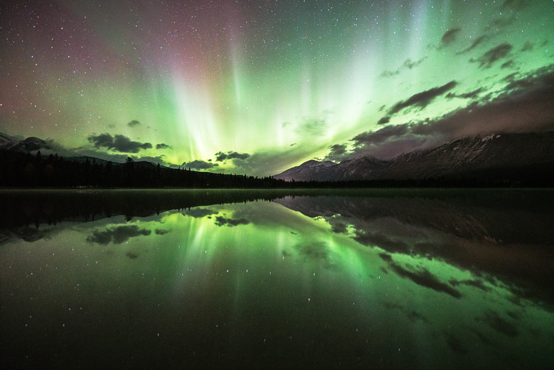 Jasper-National-Park-Northern-Lights-Lake-Edith.jpg
