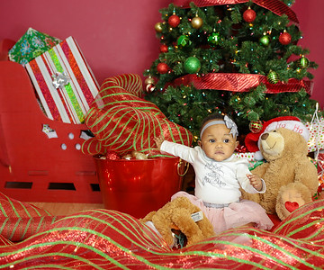 Ava Christmas Pictures