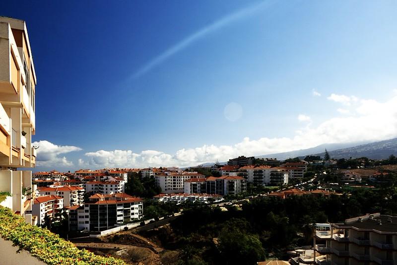 Výhled z opalovací terasy na Puerto Cruz
