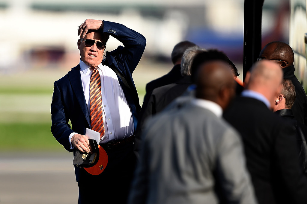 . SAN JOSE, CA - JANUARY 31: John Elway and the Denver Broncos arrive in California at the Mineta San Jose International Airport for Super Bowl 50, San Jose, CA. January 31, 2016 (Photo by Joe Amon/The Denver Post)