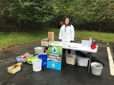 10.14.2018 Miller Run Cleanup with Columbia Families in Nature