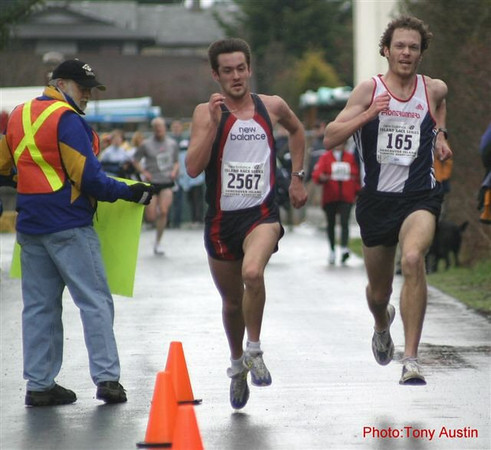 2004 Bazan Bay 5K - An epic kick as Nick Walker edges Jim Finlayson