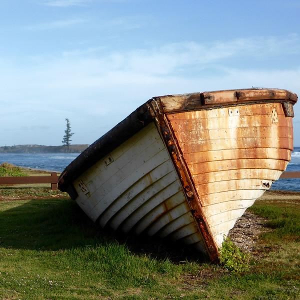 Old boat, Kingston.jpg