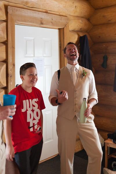 G&D Wedding Getting Ready-60.jpg