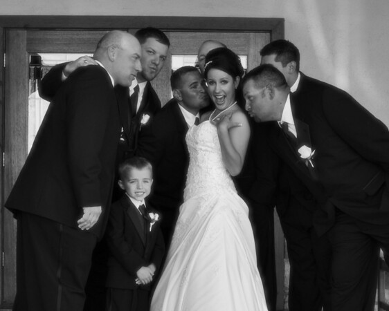 Bride with Groomsmen 2.jpg