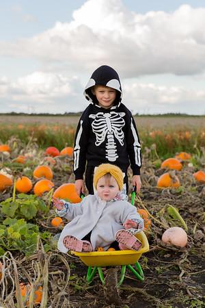 Henry & Eden @ The Pumpkin Patch 20