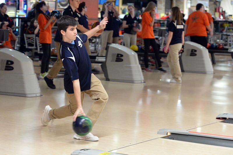 boys_bowling_9795.jpg