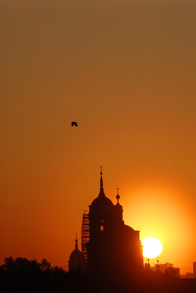 070515 6230 Russia - Moscow - Sunrise from apartment on Taganskaya _H _I ~E ~L.JPG