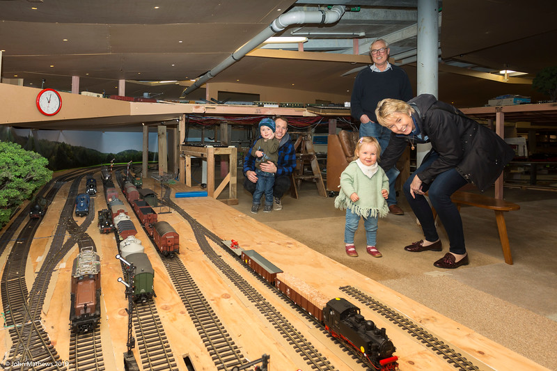 20190822 at Fairhall Railway Co 20190822 Taylor, Brett, Tim, Ruby & Janet at Fairhall Railway Co _JM_7334.jpg