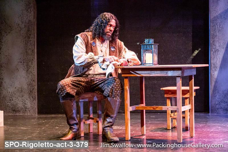 SPO-Rigoletto-act-3-379.jpg