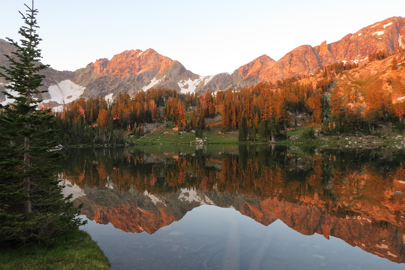 Morning is a time to reflect at Holly Lake