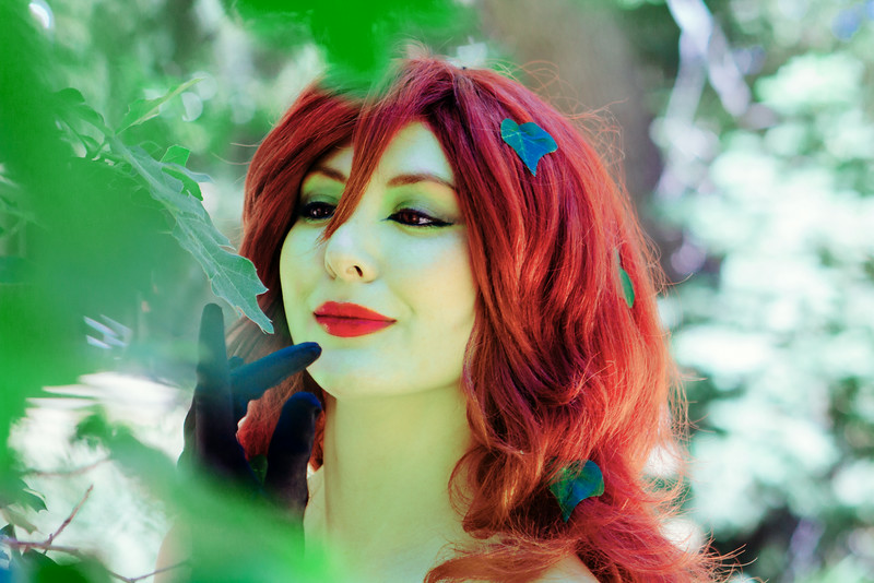 Donegee Media Cosplay Ivy and Alice-21 green.jpg