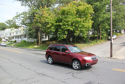 Rut, Dip in Road, East Broad St, Tamaqua (8-21-2013)