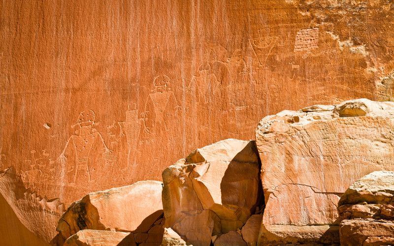 Nejpropracovanější petroglyfy co jsme viděli, nádhera. (Petroglyfy jsou velké asi jako člověk.)
