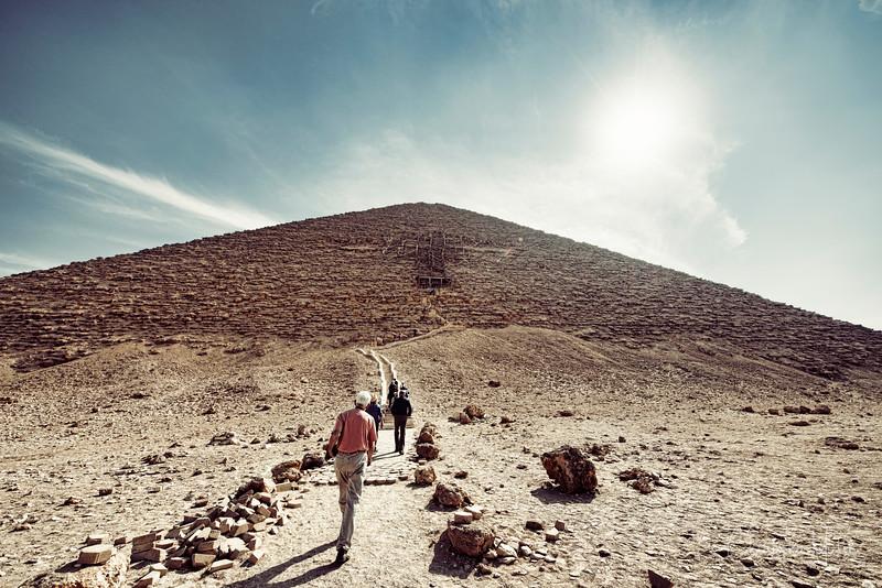saqqara_unas_tomb_serapeum_dahshur_red_bent_pyramid_20130220_5752.jpg
