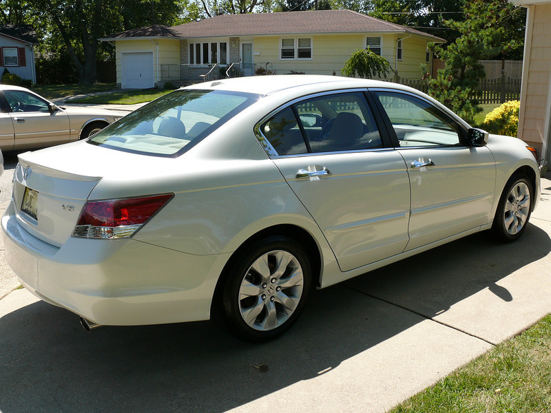 2008 Honda Accord V6 4.jpg