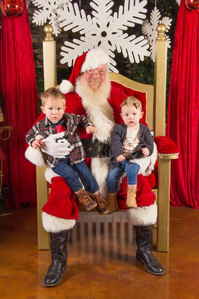 Santa 12-16-17-217.jpg
