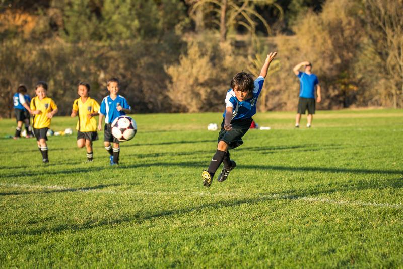 11-09 Sora Eagles Soccer-323.jpg
