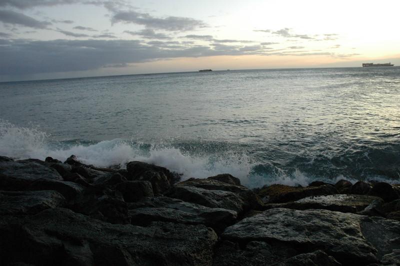 Hawaii - Ala Moana Beach Sunset-118.JPG