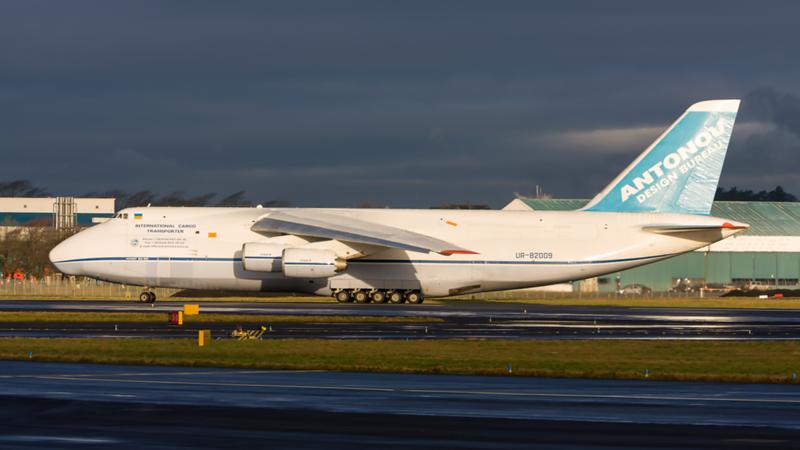 UR-82009. Antonov An-124-100 Ruslan. Antonov Design Bureau. Prestwick. 120108.