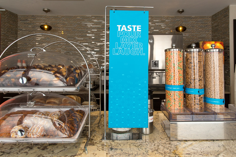 25-Breakfast pastries bar-Hampton Dallas.jpg