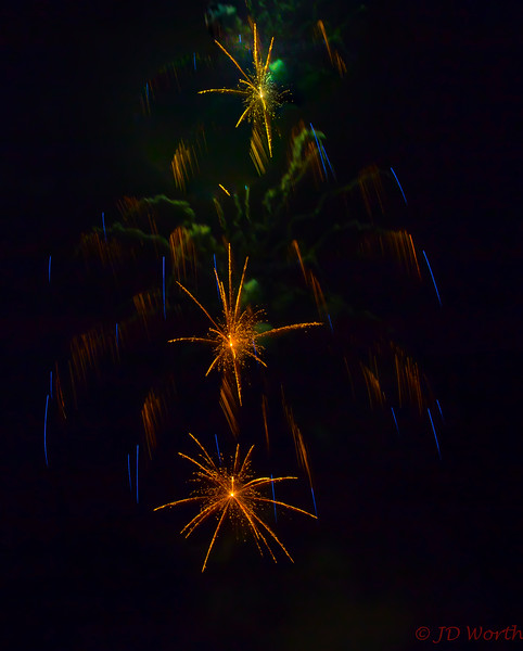070417 Luray VA Downtown Fireworks - 3 Dark Gold Starbursts with Green Smoke and Minor Blue Streamers-0913.jpg