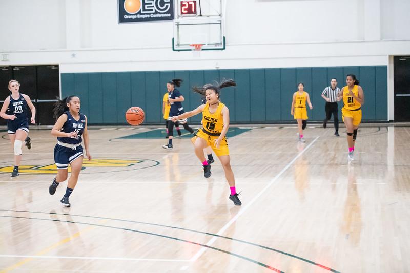 Basketball-W-2020-01-31-7869.jpg