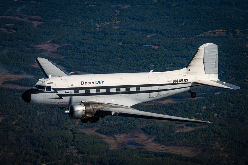 Desert Air   DC-3   N44587
