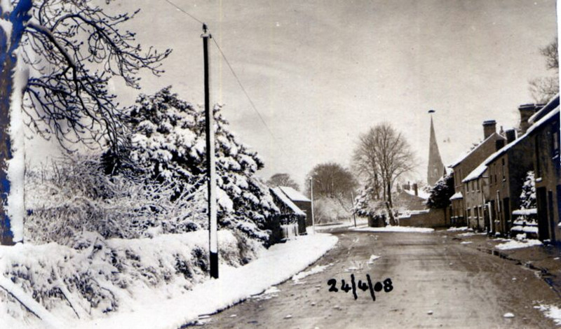 Snow in Spaldwick (1908) Provided by Elizabeth Smith